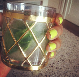 Nails and Cocktails™: Mojito and Neon Color by Urban Outfitters