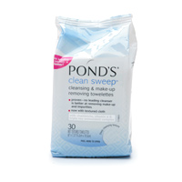 Hot Drugstore Find of the Week: Pond's Clean Sweep Facial Cleansing Cloths