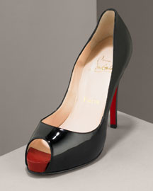 I Need This in My Life: Christian Louboutin Pumps!