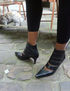 Luxetips Travel: Paris Garage Sale: Luxe Cut-Out Booties