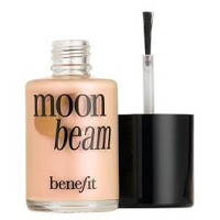 "Achieve a ""Dewy Glow"" with Benefit Cosmetics' Moon Beam Highlighter!"