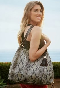 Luxetips! 12 Days of Luxetips Before Christmas Best of 2013 Giveaways: Win a Stella and Dot Snakeskin Tote!