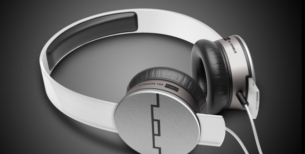 Luxetips! 12 Days of Luxetips Before Christmas: Sol Republic Tracks Air Wireless Headphones.