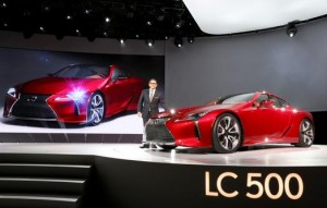 2016_NAIAS_Lexus_LC_press_conference_004_B1F5B89317D63B3138E6EB667729056E17211030_low